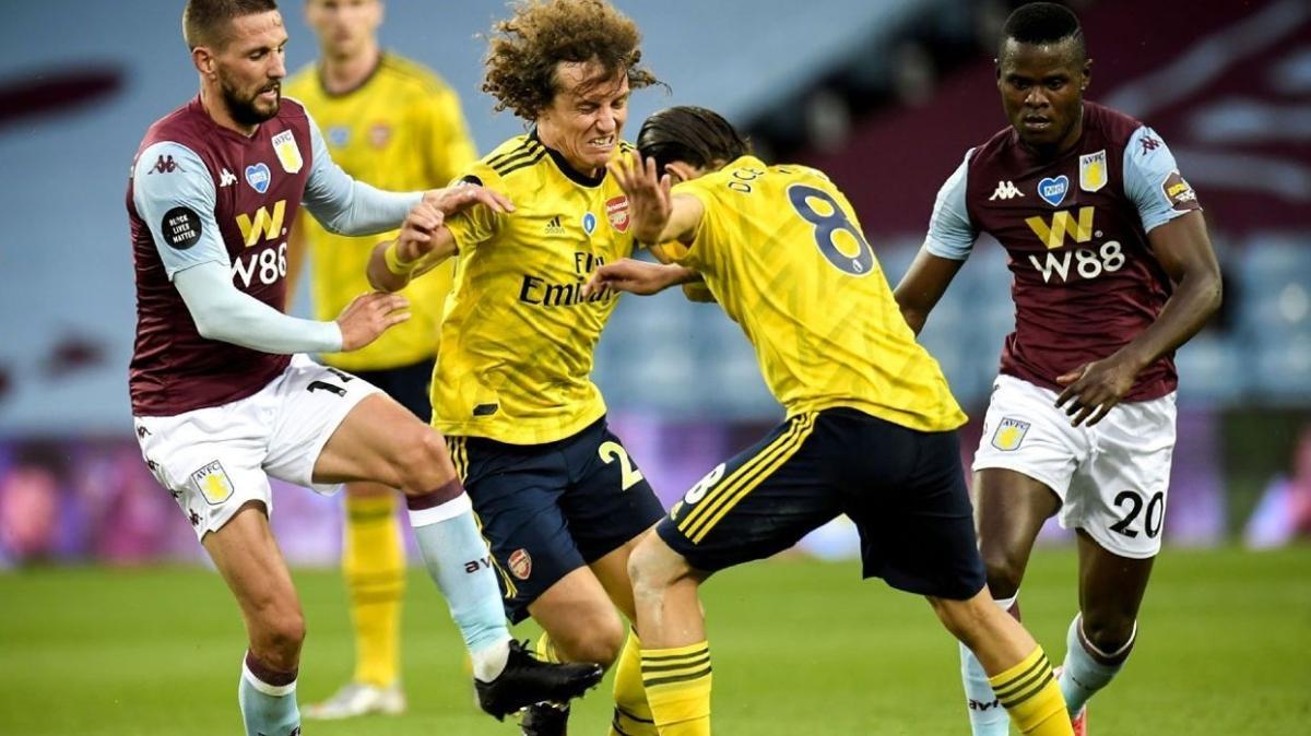 Arsenal'da David Luiz ile Ceballos birbirine girdi