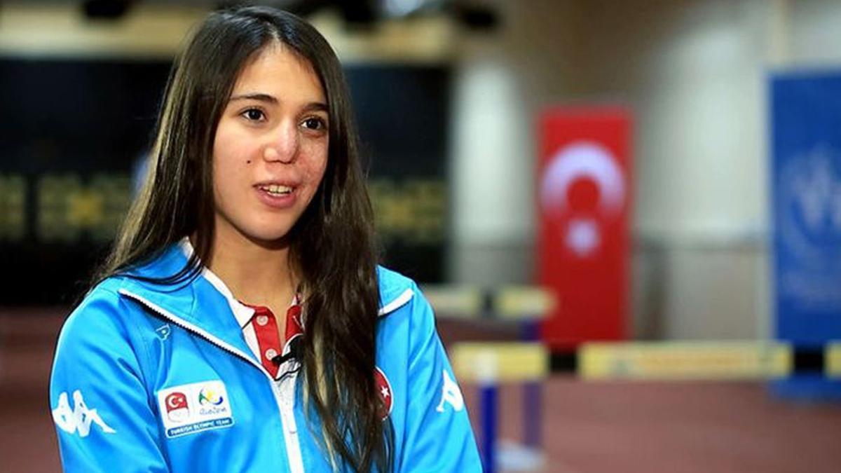 Bakan Kasapoğlu'ndan Avrupa şampiyonu İlke Özyüksel'e tebrik