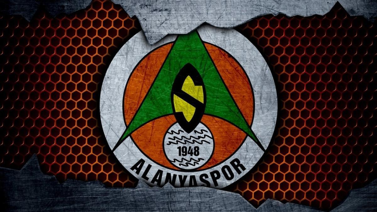 Alanyaspor'da 2'si futbolcu 3 kişi koronavirüse yakalandı