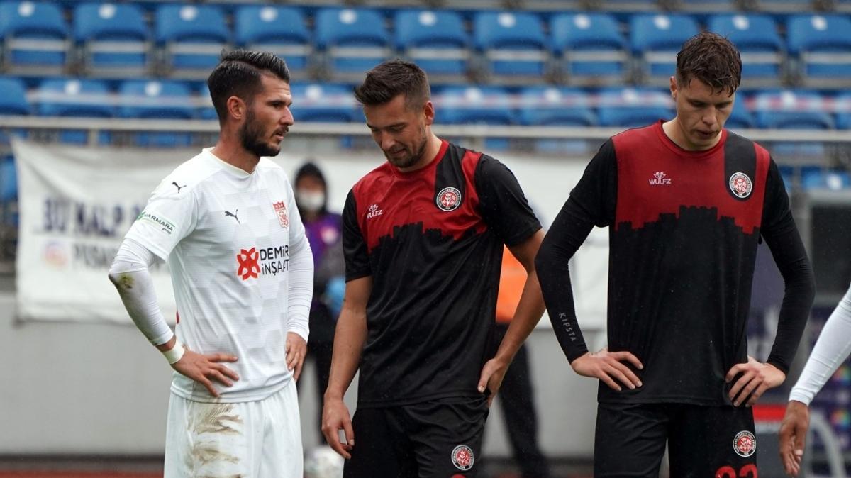 Fatih Karagümrük konuk ettiği Sivasspor ile 1-1 berabere kaldı