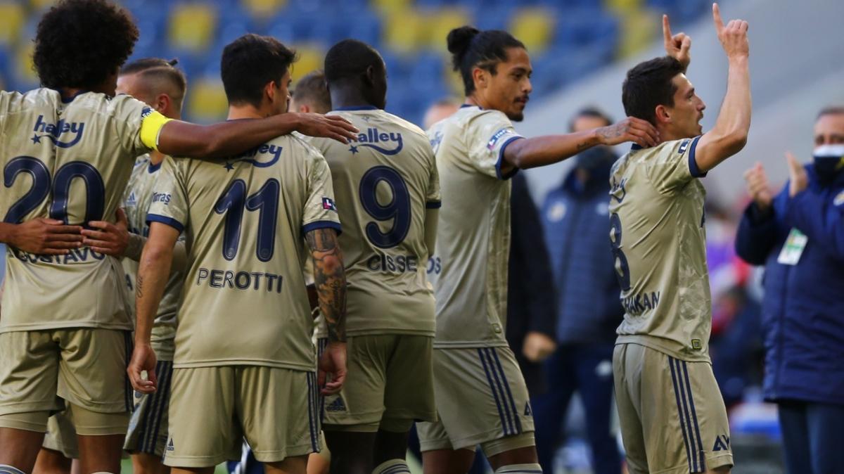 Fenerbahçe deplasmanda Gençlerbirliği'ni 5-1 mağlup etti