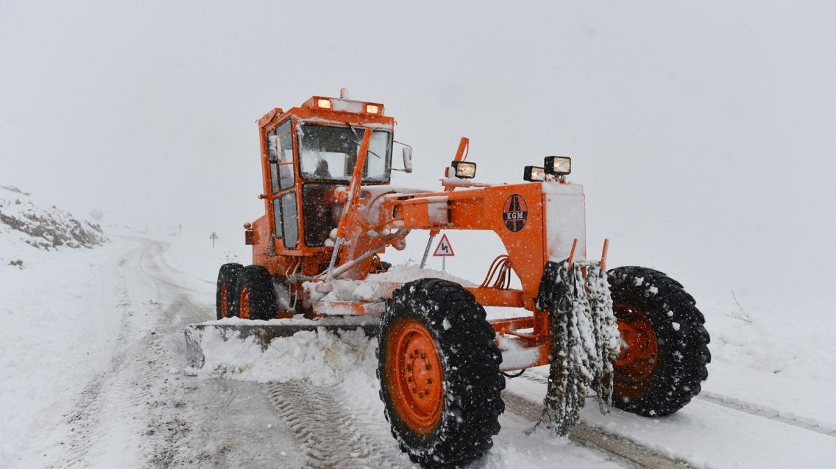 Hazırlıksız yakalandılar: Tunceli'de kar yağışı hayatı olumsuz etkiledi
