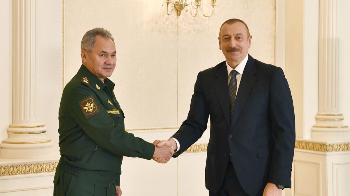 Aliyev, Rusya Savunma Bakanı Şoygu'yu kabul etti