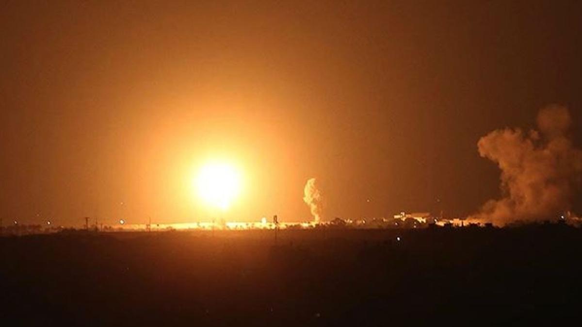 İsrail ordusu savaş uçakları Gazze Şeridi'ni bombaladı