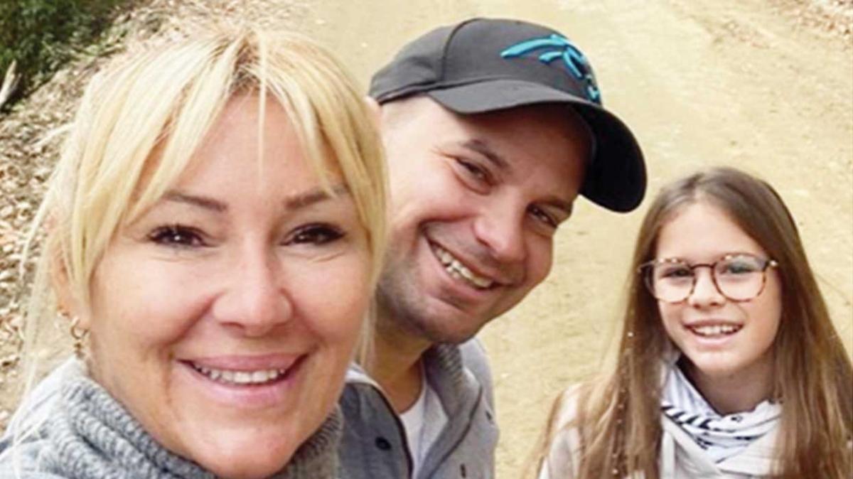 Pınar Altuğ ve Yağmur Atacan çiftinden doğada izole tatil keyfi