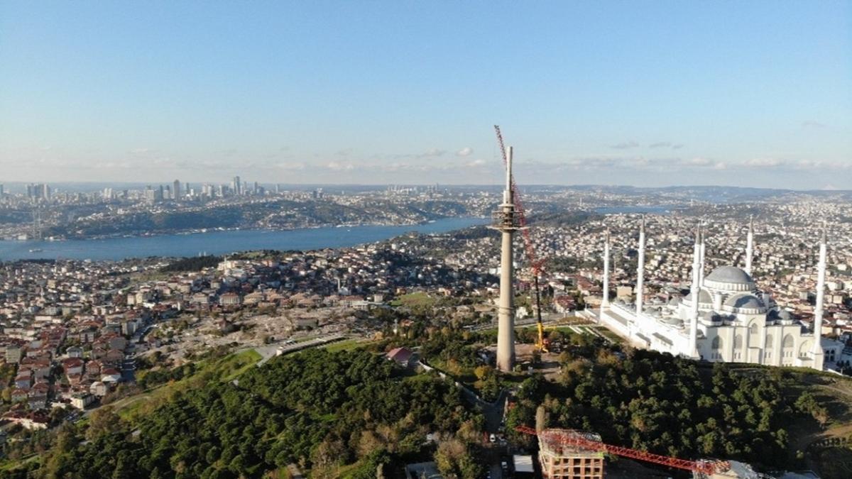 Çamlıca'da 166 metre yüksekliğindeki TRT verici kulesinin sökümünde sona yaklaşıldı