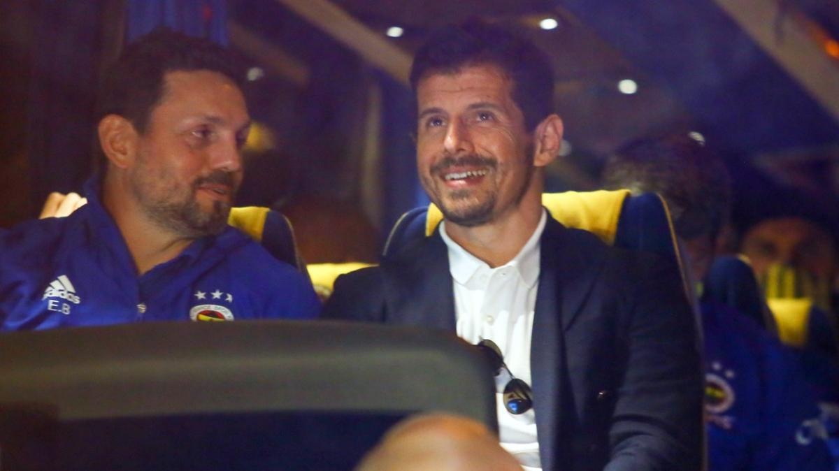 Fenerbahçe sessiz sedasız 4 genç futbolcusuyla profesyonel sözleşme imzaladı