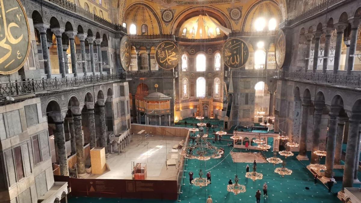 İstanbul Valisi Yerlikaya'dan Ayasofya paylaşımı