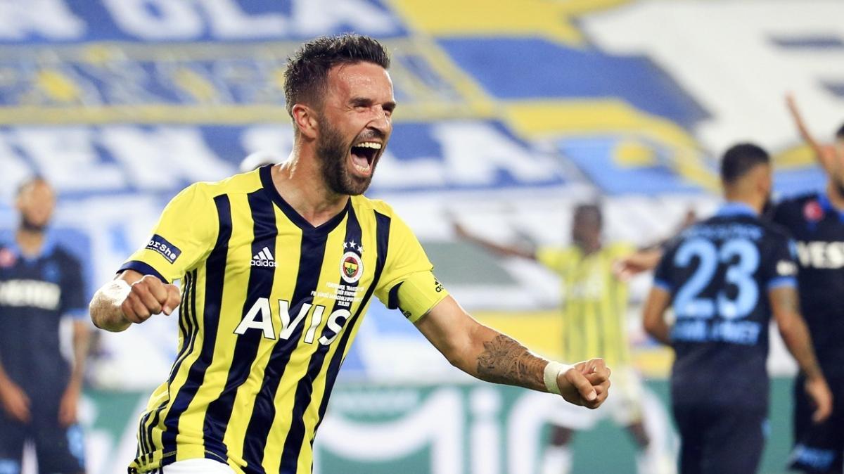 Fenerbahçeli Gökhan Gönül derbide oynamak istiyor