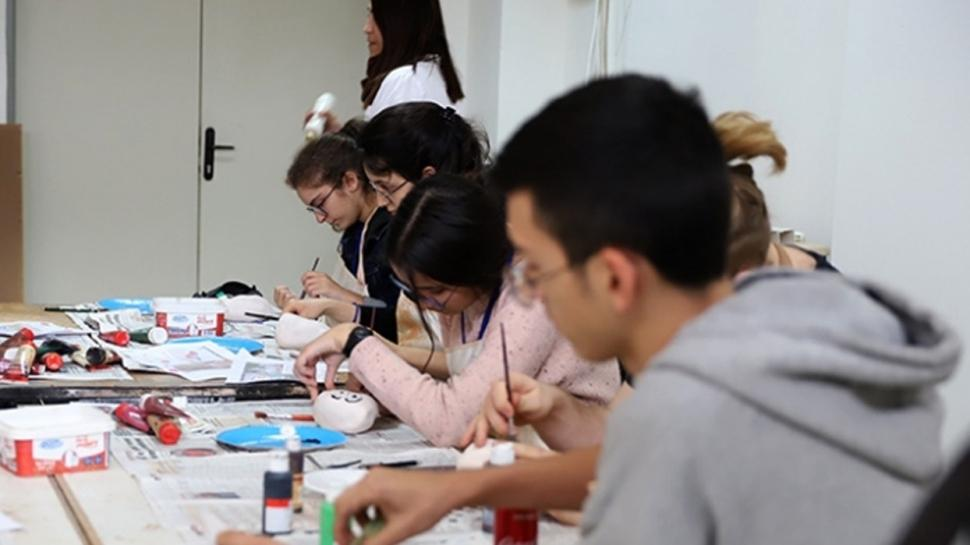 Bakan Selçuk: İhtiyaç sahibi 386 binden fazla öğrenciye destek sağlandı