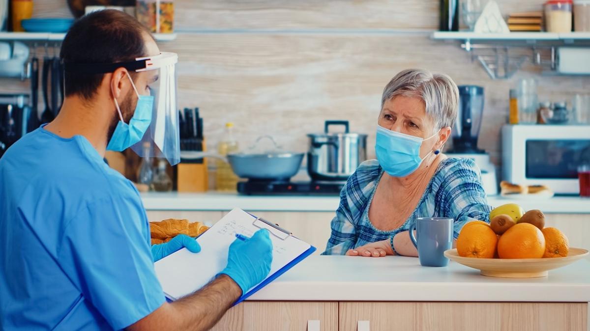 Koronavirüslü hastayla aynı evde yaşamanın kuralları