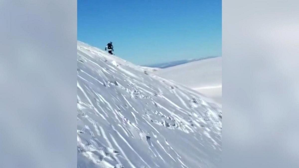 ABD'de kayakçılar çığ altında kalmaktan son anda kurtuldu: O anlar amatör kameraya yansıdı