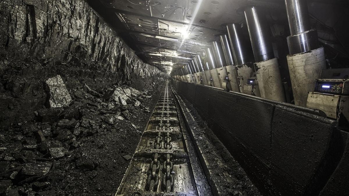 Çin'de maden ocağını su bastı: 10'u aşkın kişi mahsur kaldı