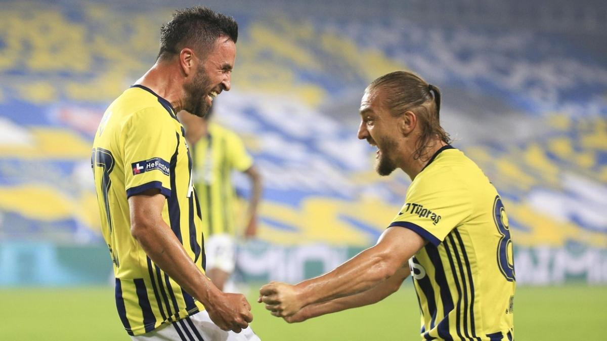 Gökhan Gönül ve Caner Erkin Beşiktaş'a rakip olarak sahada