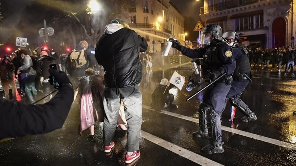 Fransa'da '24. madde' krizi... Hükümet geri adım attı