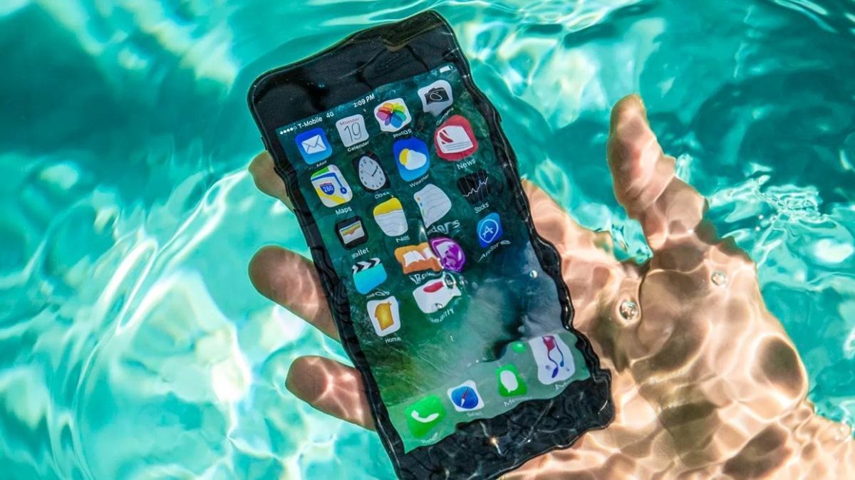 Apple'a rekor ceza! Suya dayanaklı değil