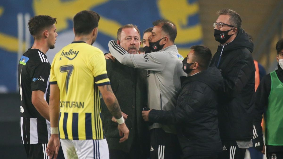 """Kadıköy'de gergin anlar: 'Mert Hakan sana ne oluyor""""'"""