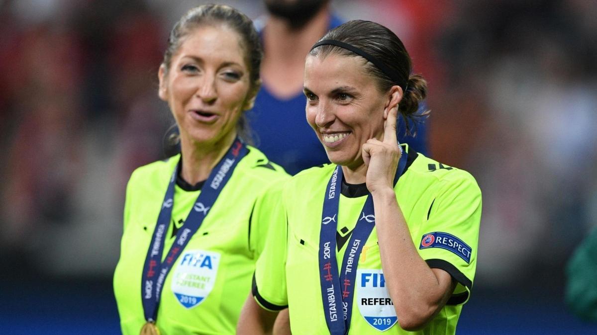 Şampiyonlar Ligi'nde yeni dönem: İlk kez bir kadın hakem düdük çalacak