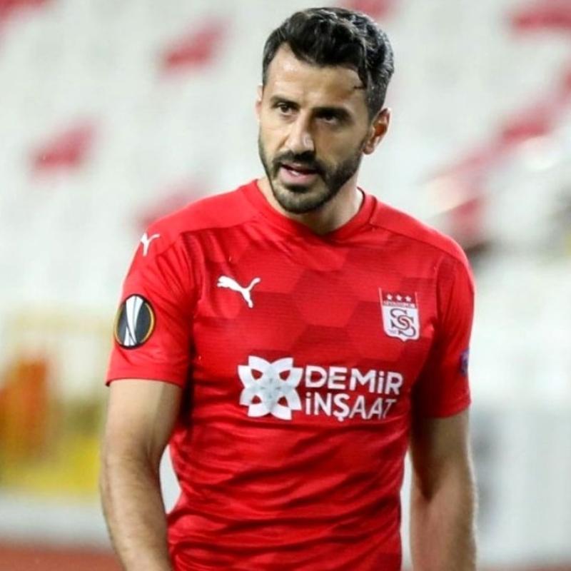 Caner Osmanpaşa: 'Hep aynı oyunculara yüklendik'