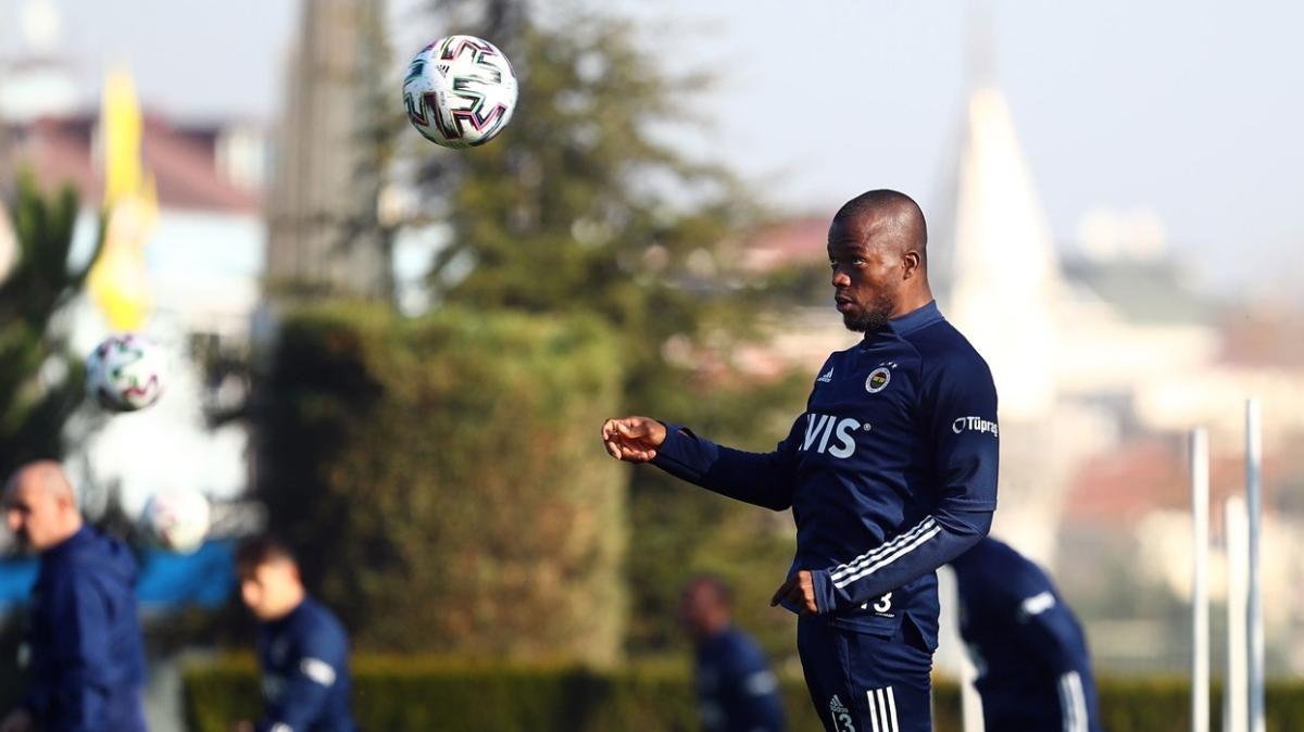 Fenerbahçe'de Enner Valencia takımla çalışmalara başladı