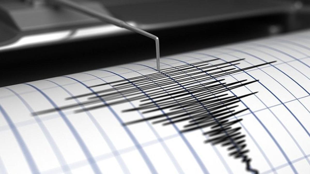 "İzmir depremi kaç şiddetinde, nerede"" İzmir'de deprem mi oldu"""