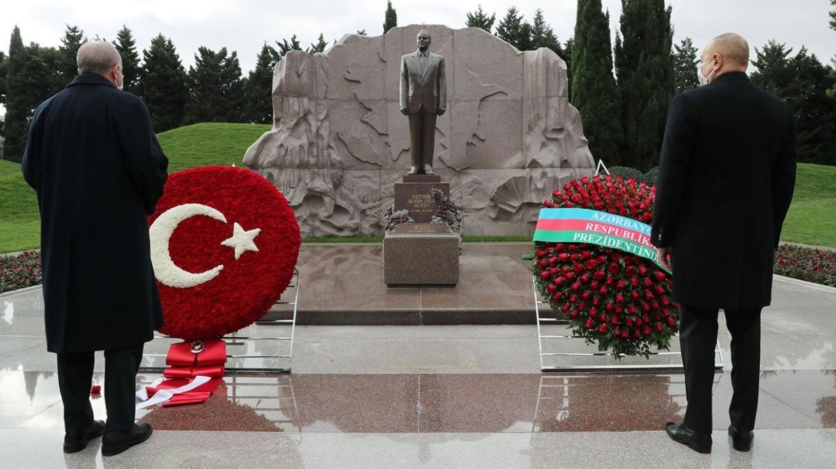 Başkan Erdoğan Haydar Aliyev'in kabrini ziyaret etti