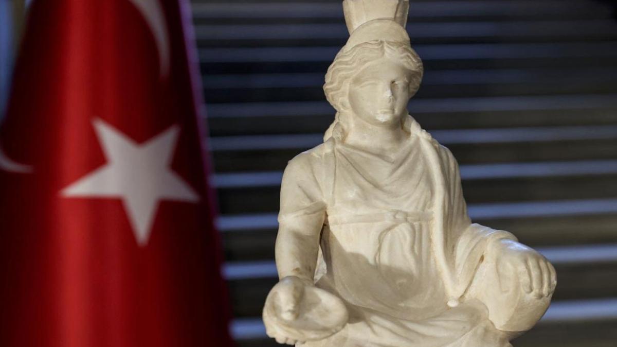 """Kybele (Kibele) heykeli kime ait"""" Kybele ne demek"""""""