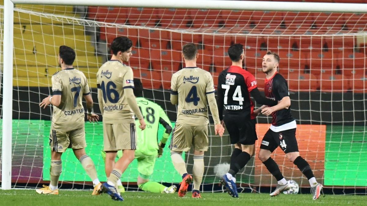 Fenerbahçe Gaziantep deplasmanında dağıldı