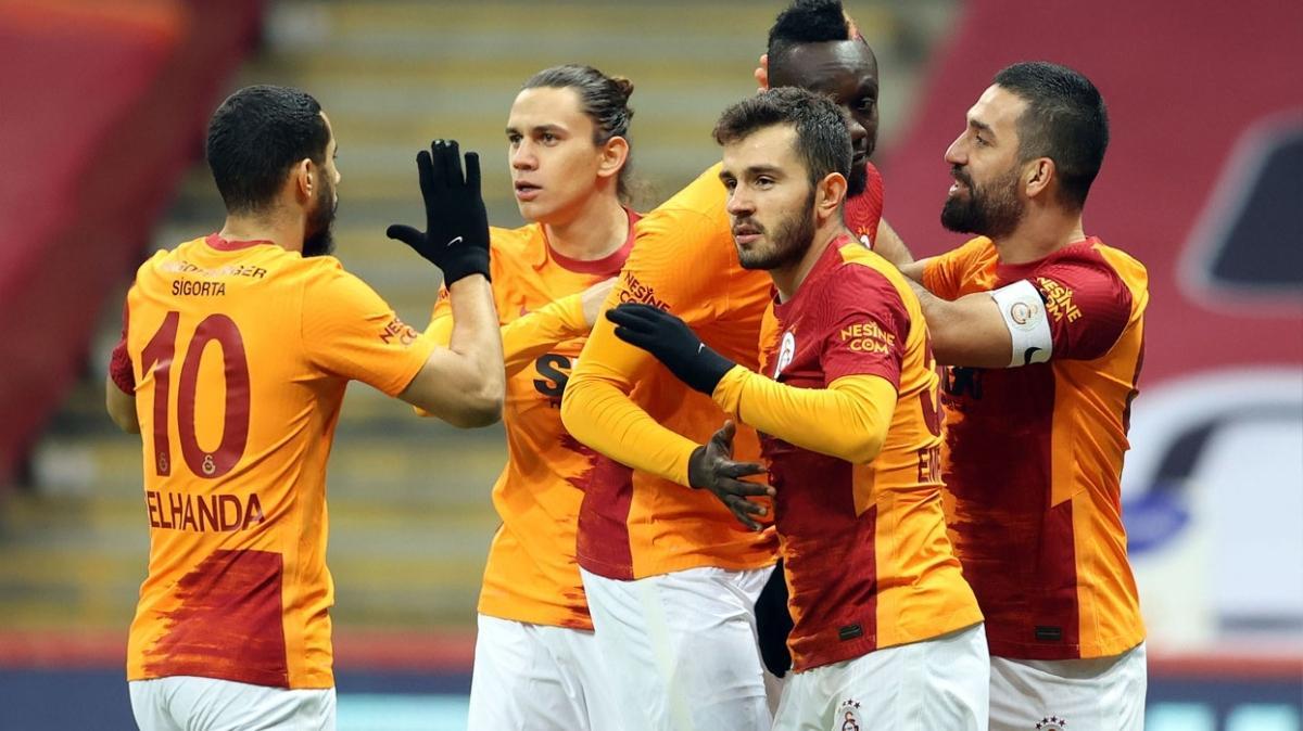 Galatasaray Göztepe maçına 4 değişiklikle çıktı