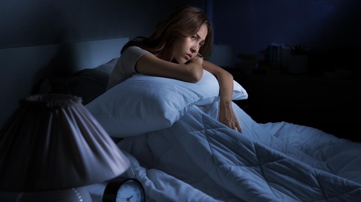 Yatmadan önce duş, yoğurt, süt ve muz tüketimi uykusuzluğu gideriyor