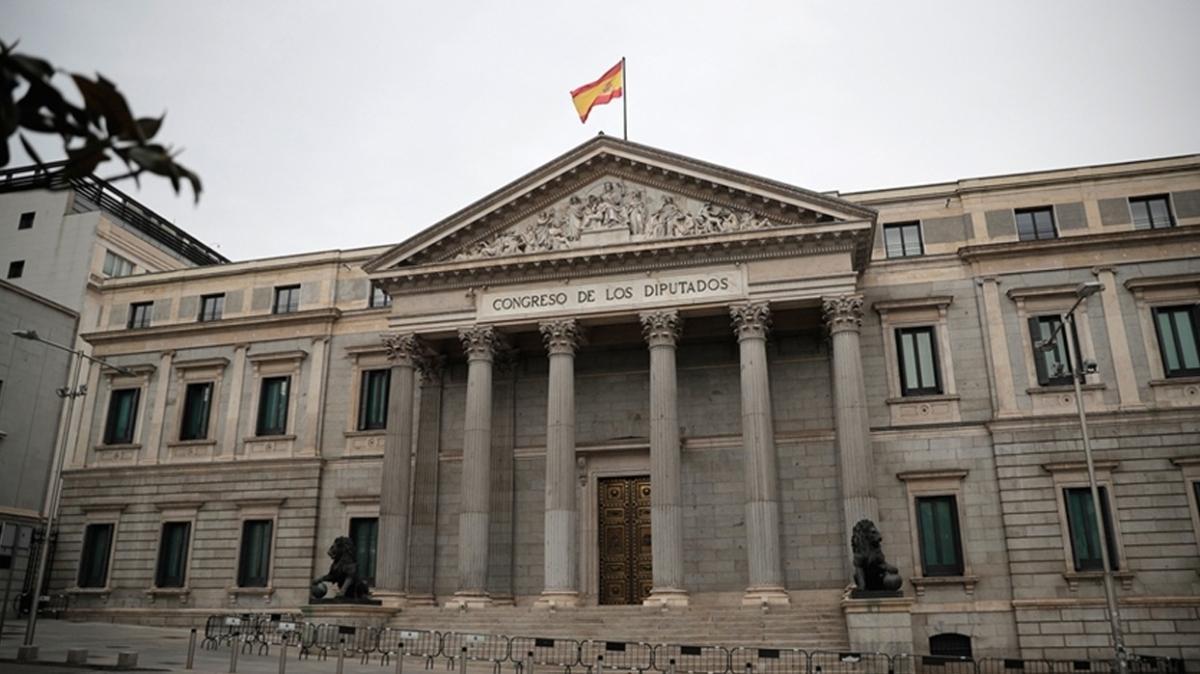Son dakika haberleri... İspanya'da 2021 bütçesine onay