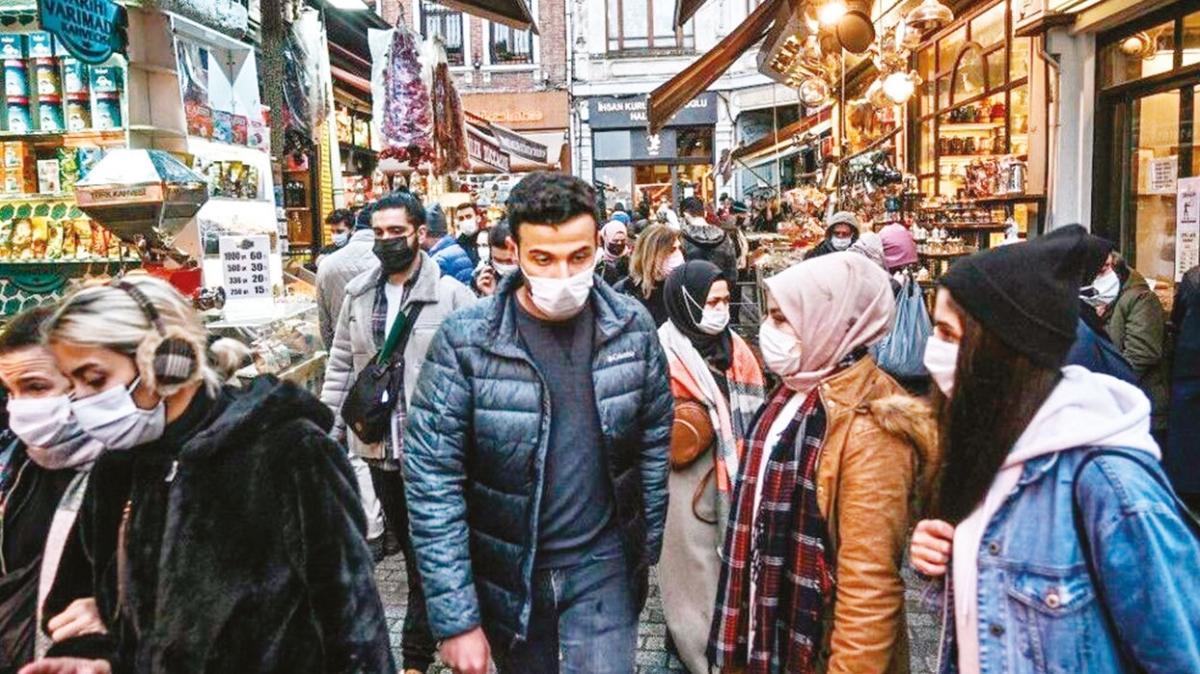 Bilim Kurulu Üyesi Prof. Dr. Tevfik Özlü: Bulaştırıcılığın artması virüse kol kanat takmaz