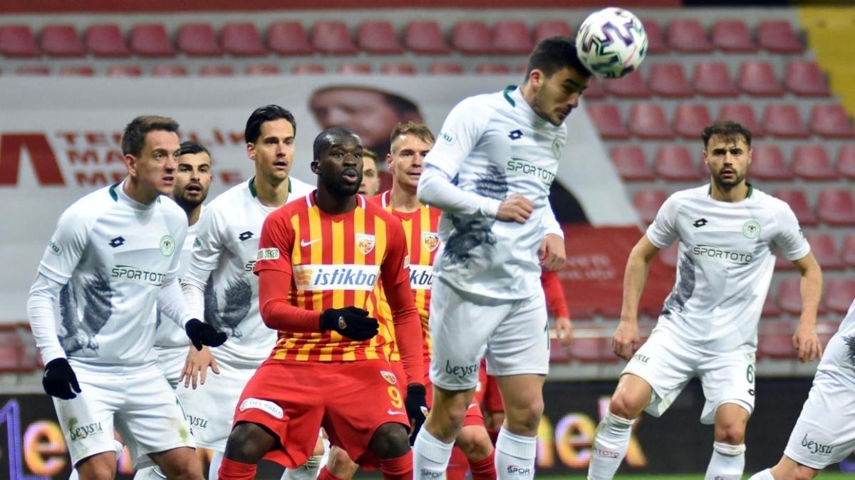 Konyaspor 87 ve 90+8'de bulduğu gollerle deplasmanda Kayserispor'u 2-1 yendi