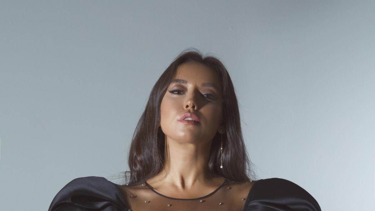 Ünlü şarkıcı Tuğba Yurt bir ilke imza attı!