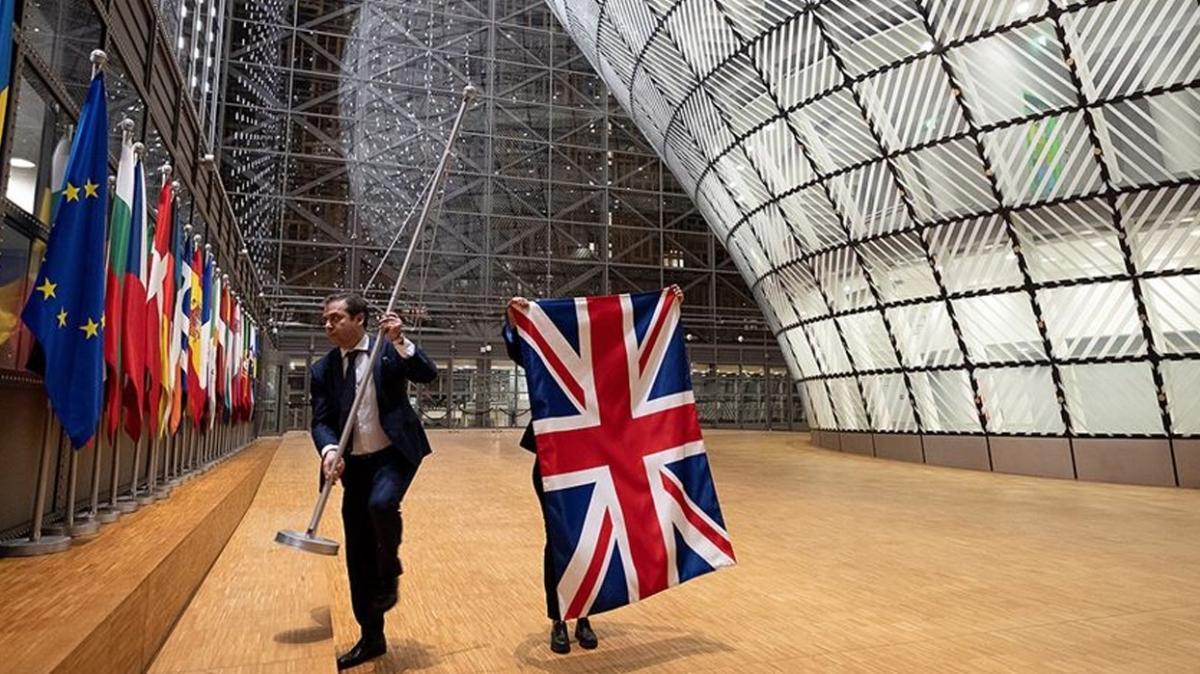 Üye ülke ekonomilerine karşı kullanılacak: AB'den 5 milyar avroluk Brexit fonu teklifi