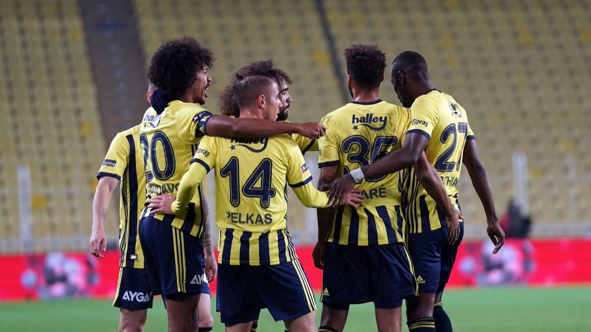 Fenerbahçe'de 3 futbolcunun koronavirüse yakalandığı açıklandı