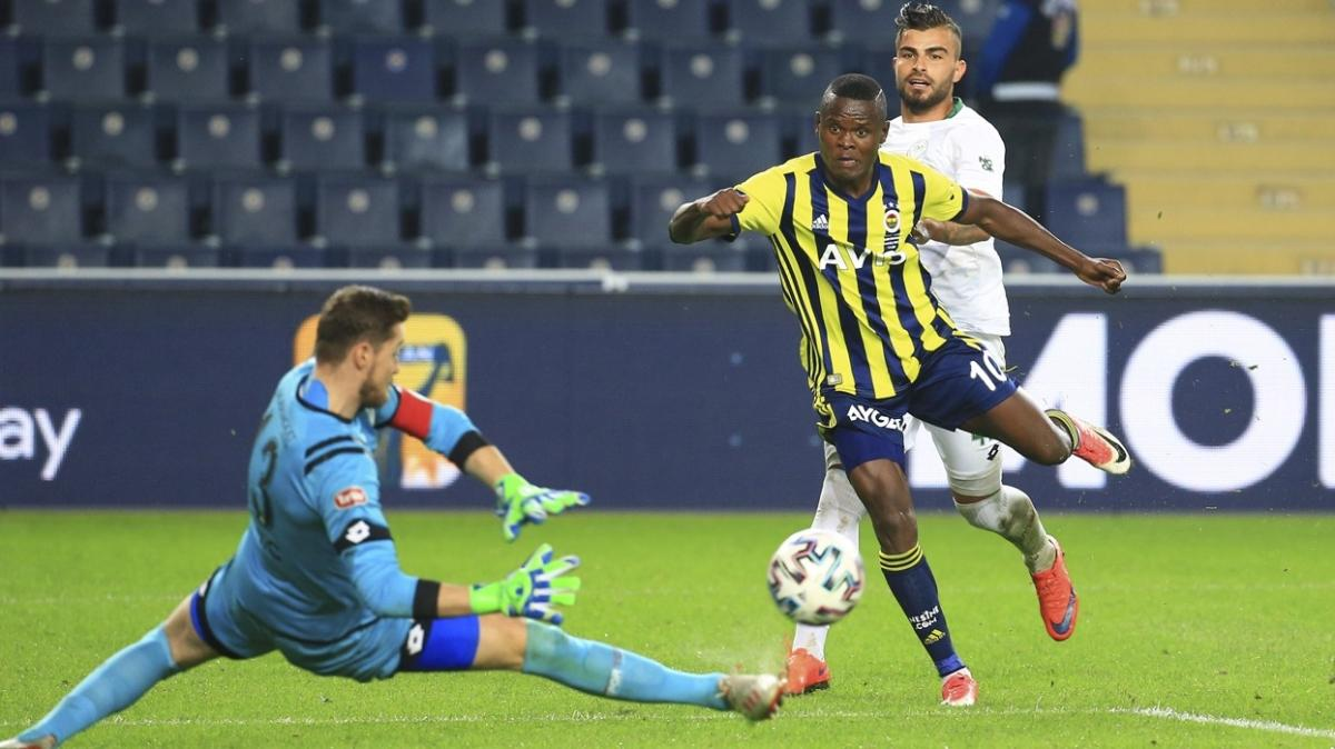 Fenerbahçe'nin golcüsü Samatta'ya yol göründü
