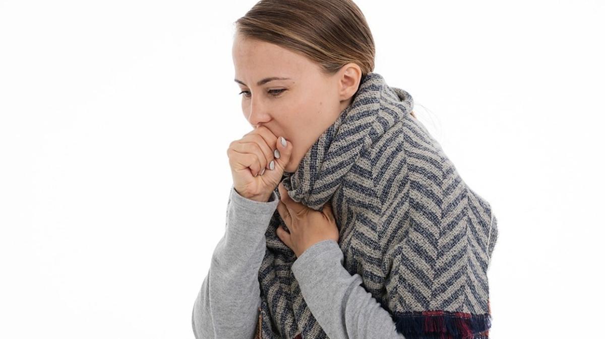 Soğuk algınlığından korunmanın çözümü bol sıvı tüketmek ve spor yapmak