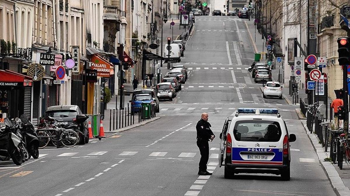 Fransa'da günlük koronavirüs vaka sayılarında düşüş