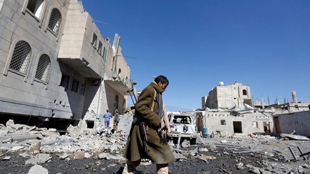 Koalisyon güçleri Taiz'de Husilere ait İHA'yı düşürdü