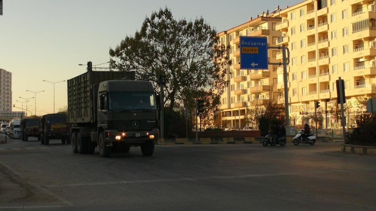 Suriye'ye TSK'dan zırhlı araç ve komandolar sevk edildi