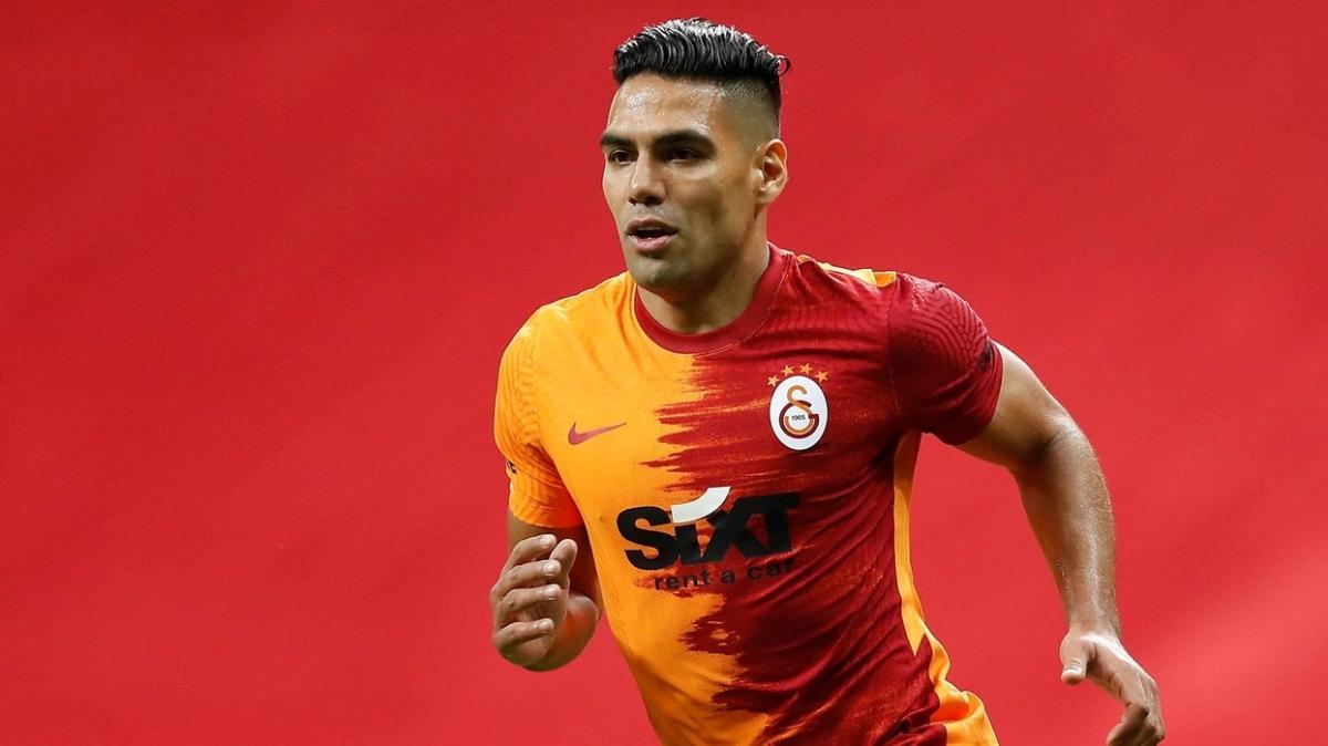 Galatasaray, yollarını ayırmayı planladığı Radamel Falcao'dan aldığı cevapla şok oldu!