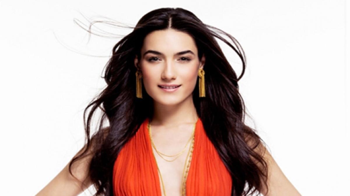 """Miss Turkey 2005 güzeli Hande Subaşı kimdir"""" Çok Güzel Hareketler Bunlar yılbaşı konuğu Hande Subaşı kaç yaşında, nereli"""""""
