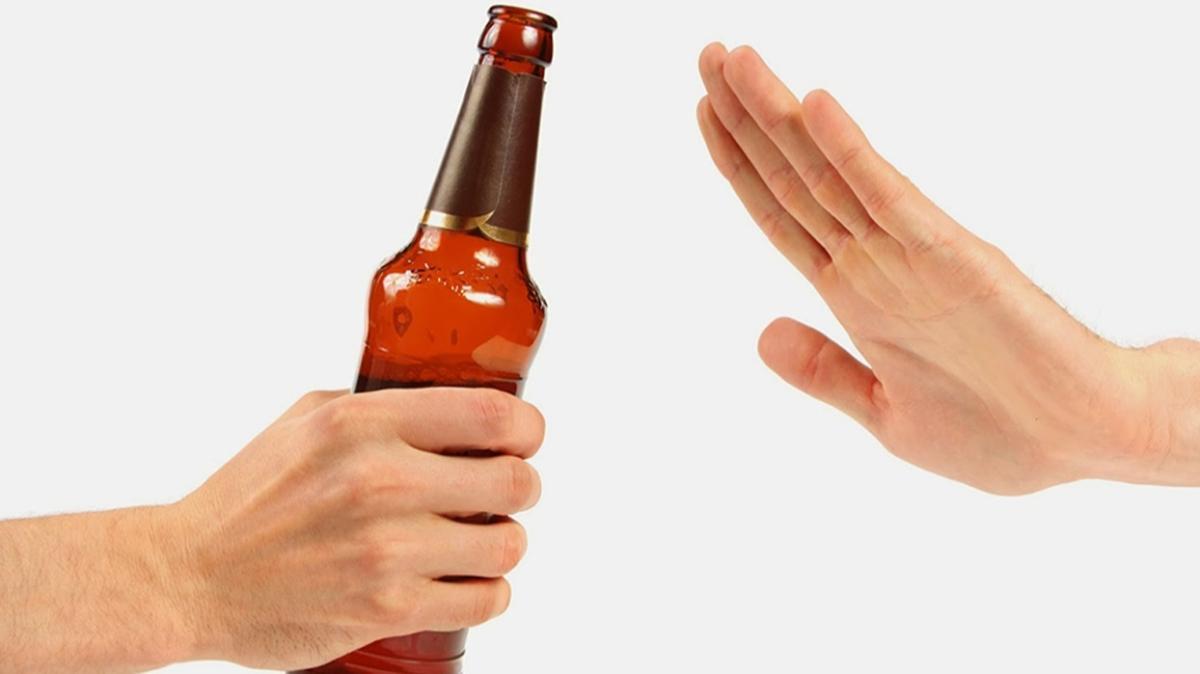 İngilizler alkolü bırakıyor: Araştırma sonuçları belli oldu