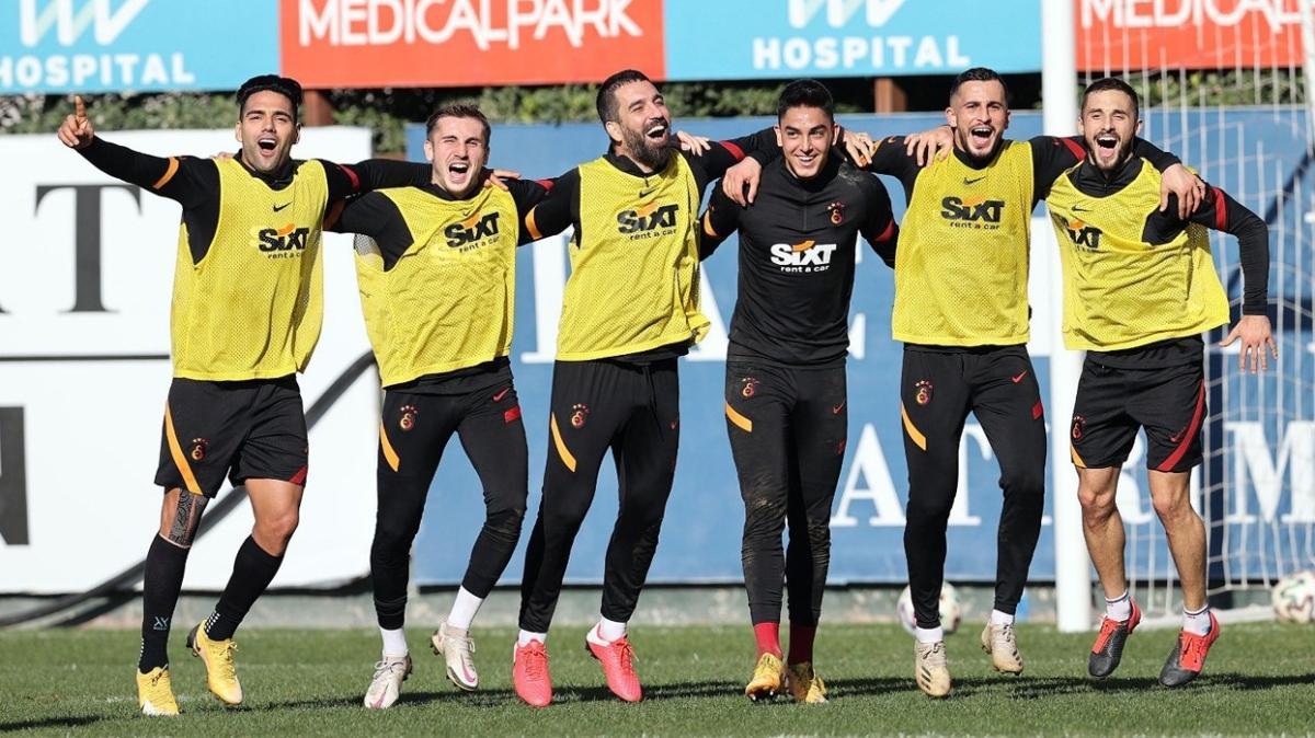 Galatasaray'da büyük sevinç yaşanıyor