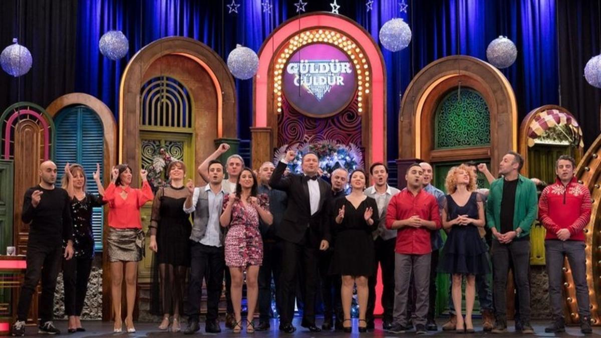 """Güldür Güldür Show yılbaşı konukları kimdir"""" 31 Aralık Güldür Güldür Show'a kimler katıldı"""""""