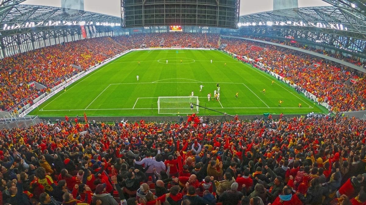 Göztepeli taraftarlardan 'seyircisiz maçlara da bilet satılsın' talebi