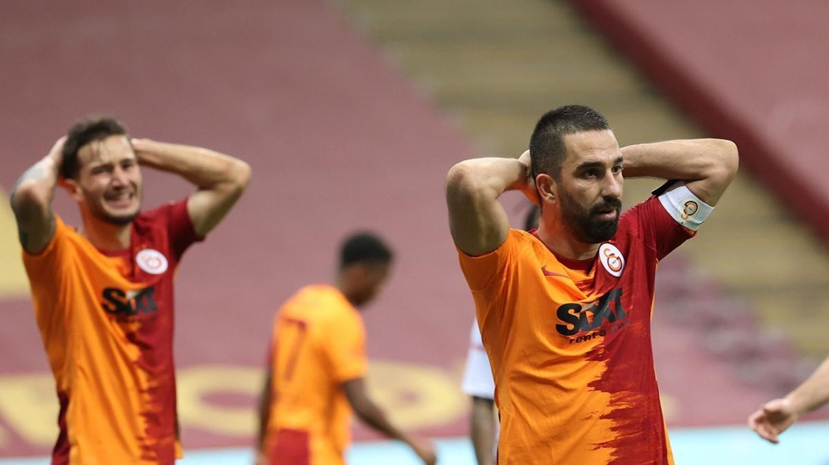 Arda Turan'dan Omar Elabdellaoui'nin fotoğrafını yayanlara tepki