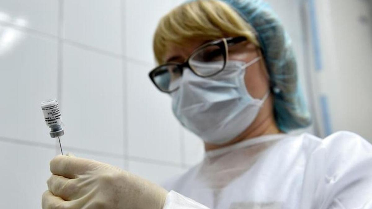 Rusya'da aşı yapılan sayısı 1 milyona yaklaştı