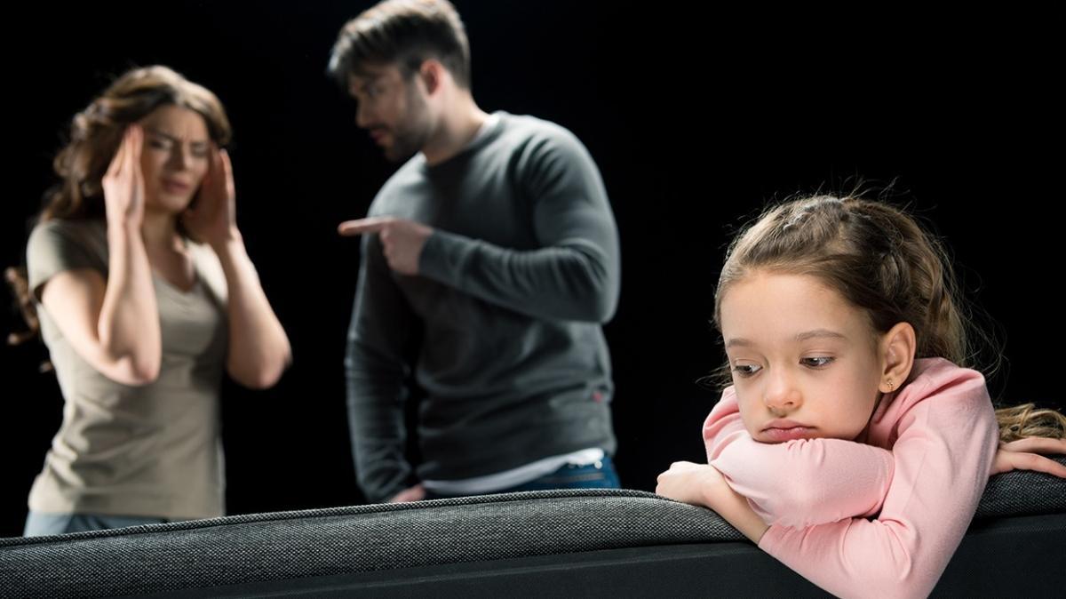 Boşanma sürecinde çocuğa acıyarak yaklaşmayın